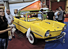 Amphicar_DSCN4429 copy (darioalvarez) Tags: cochesclsicos oporto portugal octubre2016 exponor autoclssicoporto2016 amphicar cochedeportivo cochebote amarillo