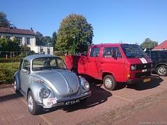 Volkswagen Kever 1973 (47-YA-41) & Volkswagen T3 pickup doppelkabine 1986 (6-VHR-45) (MilanWH) Tags: boekelo oudevoertuigendag oldtimerdag volkswagen kever 1973 47ya41 t3 pickup 1986 6vhr45 beetle coccinelle