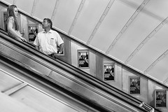 oblique 4 (LinusVanPelt ) Tags: transportation tube gdg london bw metro uk city londra england regnounito gb