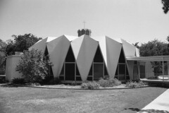 Methodist Church, Riverside, CA. (lammyracer) Tags: googie spaceage atomic film minolta