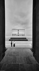 Hamburg Kunsthalle 7 b&w (rainerneumann831) Tags: hamburg kunsthalle architektur linien blackwhite frauen flickrdiamond