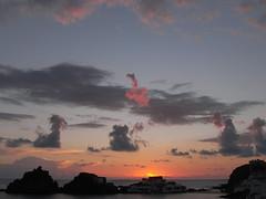 sa mesquida sortida del sol (the incredible how (intermitten.t)) Tags: samesquida salidadelsol sortidadelsol amanecer sunrise menorca espaa balearicislands baleares illesbalears minorca sea sky cloud 20160925 8194 espana