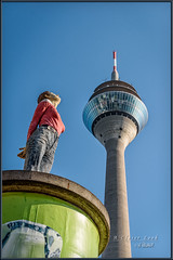 A Closer Look (Maclobster) Tags: dusseldorf germany tower statue