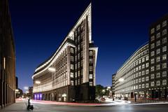 Chilehaus, Hamburg (Kai-Uwe Klauss) Tags: architektur chilehaus hamburg hamburgnacht nachts lzb langzeitbelichtung sprinkenhof