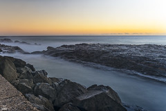 Misty channel (banphotography) Tags: ocean sea wall sunrise rocks daybreak snapperrocks rainbowbay