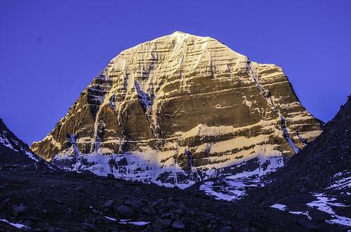 Mt. Kailash (གངས་རིན་པོ་ཆེ) at Dawn