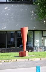 Bogomir Ecker - Boden – Ein Hertz - 1988 (NRWskulptur) Tags: sculpture skulptur nrw publicart duisburg nordrheinwestfalen ecker kunstimöffentlichenraum northrhinewestphalia lehmbruckmuseum bogomirecker
