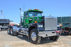 1988 Mack RW Tractor (Trucks, Buses, & Trains by granitefan713) Tags: mack macktruck showtruck antiquetruck vintage vintagetruck tractor trucktractor daycab nonsleeper rw mackrw macksuperliner superliner tandem