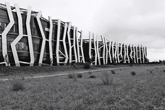 Edificio Vital. (rickyone_dh) Tags: edificiovital vitoriagasteiz paisvasco euskadi rickyone bn bw blancoynegro blackandwhite parque park samsung nx30 16mm rawtherapee
