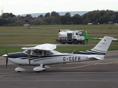 G-CGFH Cessna Turbo Skylane 182T (Aircaft @ Gloucestershire Airport By James) Tags: gloucestershire airport gcgfh cessna turbo skylane 182t egbj james lloyds