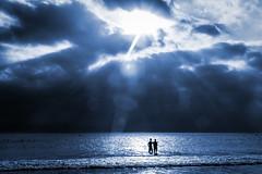 Resplandor (Franci Esteban) Tags: resplandor contraluz cianotipo cianotpico monocromo siluetas mar oceano oceanoatlntico cdiz tarifa