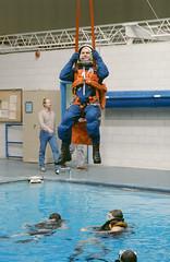 Anglų lietuvių žodynas. Žodis swim suit reiškia plaukti kostiumas lietuviškai.
