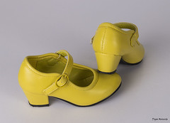 Zapatos amarillos (Pepa Morente ( 1.450.000 de VISITAS )) Tags: detalles zapato tacn par dos amarillo gitana zapatocontacn andalucia
