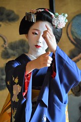 Maiko20161016_07_04 (kyoto flower) Tags: eiunin temple toshimomo kyoto maiko 20161016 舞妓 永運院 とし桃 京都 akihitomiyaji