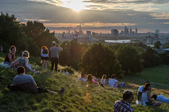 Sunset in Greenwich Park (Spannarama) Tags: greenwichpark london uk sunshine flare lowsun park blackheath people sitting view viewpoint hill trees