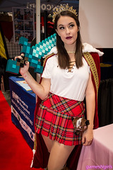 Meg Turney as Mad King Ryan (The Doppelganger) Tags: megturney cosplay cosplayer madkingryan madking minecraft genderbent skirt newyorkcomiccon nycc nycc2016