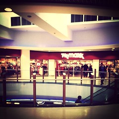 TkMaxx Woodgreen (Max_Car) Tags: london londra inghilterra englan uploaded:by=flickrmobile flickriosapp:filter=mammoth mammothfilter