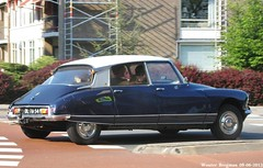 Citron DS 21 1967 (XBXG) Tags: auto old france classic netherlands car vintage french automobile 21 ds nederland citron voiture 1967 paysbas ancienne tiburn snoek overveen citronds desse franaise strijkijzer