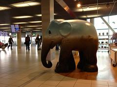 Olifantenparade Schiphol (FaceMePLS) Tags: sculpture art animal airport kunst sculptuur dier olifant bigfive kunstwerk vliegveld beest elephantparade luchthaven facemepls gemeentehaarlemmermeer iphone4s
