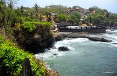 Tanah Lot, Bali Indonesia (fauziahshirzad) Tags: bali beach nature indonesia temple nikon ceremony lot hindu tanah