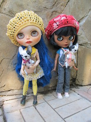 girls and their dogs (thetaeridani) Tags: blythe blythedoll french bulldog pet for doll