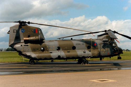 ZA714 / EX Boeing-Vertol Chinook HC1 cn MA026/M7005 Royal Air Force RAF Wyton 12May89
