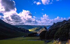 Valley of the Rocks, Lynton, North Devon (Envy Photographic) Tags: canoneos raw northdevon landscape famouslandmarks mountains outdoor hills sky nigelvaux primelens 24mmf28 550d dramatic clouds sunshine atmospheric greatbritishlandscape