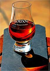 DJ 225 (cadayf) Tags: bretagne brittany 22 whisky alcool apritif spirit reflet reflection