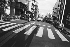Daikanyama, Tokyo (fabiolug) Tags: light shadow shadows crossing lines sunset sun self selfportrait car cars taxi daikanyama people street streetphotography tokyo japan japanese asia leicamp leica mp rangefinder film filmphotography believeinfilm blackandwhite blackwhite bw kodaktrix400 trix400 kodak trix kodaktrix leicaelmarit28mmf28asph elmarit28mmf28asph elmarit28mm leicaelmarit28mm 28mm elmarit leicaelmarit wide wideangle