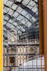 Reflet d'Antwerpeen-Central, Anvers (EFmt) Tags: antwerp belgium vlaams belgique belgie anvers centralstation train