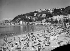 152; Day at the Beach, Oriental Parade - Circa 1940 (Wellington City Council) Tags: wellington historicwellington 1800s 1900s 1950s