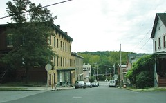 A LOOK DOWN RAVINE STREET (richie 59) Tags: ulstercountyny ulstercounty newyorkstate newyork unitedstates autumn trees kingstonny kingston rondoutny rondout downtownkingstonny downtownkingston richie59 outside weekday fall downtown 2016 thursday sep2016 sep292016