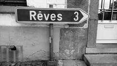 Fais de beaux... (Lau.Rence) Tags: belgium brabant panneau rve