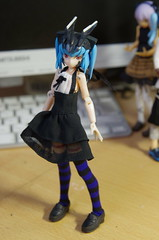 It's good with knee socks. (hoge.pics) Tags: toy    jfigure shinki busoushinki   japanesefiguresandmodels hogepics pics