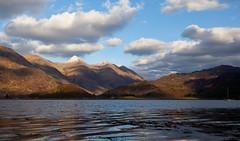 Five Sisters (the44mantis) Tags: sea sky cloud mountain sisters evening scotland afternoon five hill escocia highland shore cumulus loch schottland schotland ecosse duich munro kintail scozia ratagan sgurr shielbridge cloudevening fhuaran
