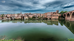 Albi sur Tarn (Alucardo) Tags: city sky david france clouds canon river photography mirror eau photographie thomas rivire route reflet ciel miroir nuages rue tarn reflexion ville albi thomasdavid 5d2 5dii thomasdavidphotography thomasdavidphotographie