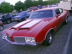 1970 Oldsmobile 442 (splattergraphics) Tags: 1970 olds oldsmobile 442 cruisenight glenburniemd lostinthe50s marleystationmall olds442