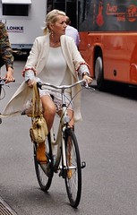 I want to ride my bicycle (os♥to) Tags: sony alpha77ii a77ii ilca77m2 august2016 2016 bike bicycle cykel fahrrad bici vélo velo bicicleta fietssykkel rower street streetphotography candid people