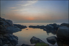 Despierta el horizonte. (antoniocamero21) Tags: amanecer agua reflejos mar color foto sony brava costa palafrugell de calella girona catalunya niebla