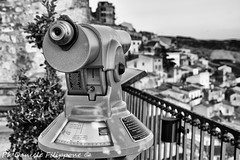 Behind the scene (Daniele Filippone) Tags: black white sicily gangi madonie sicilia cannocchiale panorama dietro behind