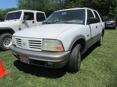 Oldsmobile Bravada SUV (MR38) Tags: suv oldsmobile bravada ocar