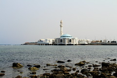 IMG_0801-1 (Wisssss) Tags: sea seaside redsea mosque corniche jeddah masjid jiddah canonblue