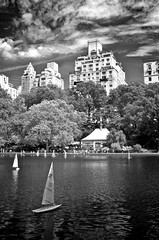 New York 08.2012 (Flophoto2012) Tags: park trees newyork tree water clouds sailboat reflections boot boat blackwhite wasser centralpark central quick segelboot critique tng