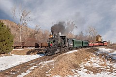 #346 At the crossing (Rocky Pix) Tags: mountain golden colorado pix hand rocky f16 24mm held nikkor 346 coloradorailroadmuseum runby rockypix normalzoom 1160thsec 2470mmf28g coalfiredlocomotive wmichelkiteley christmasholidayssteamup denverriograndeengine346 origin1881