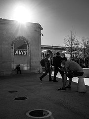 La gare (christophemo) Tags: nancy villedenancy lorraine france meurtheetmoselle esplanade place gare btiment passant rue personnage