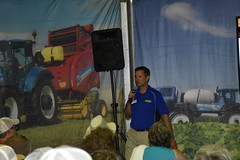 fps-16-238 (AgWired) Tags: farm progress show farmprogressshow agriculture new holland agwired zimmcomm media tractor hay forage harvest combine