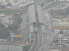 Tren Eléctrico ingresando a Estación Presbítero Maestro del Tramo 2 de la Línea 1 del Metro de Lima (fabriziocarballogerman) Tags: cerro sancristóbal lima perú tren línea1 estación presbíteromaestro