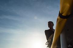 Hay sonrisas que no se pueden dar vuelta atrs (Mafe Ramirez) Tags: barco bote maferamirez sonrisa vaquero hombresonriendo atardecer sol contraluz lancha rio colombia vichada