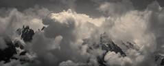 Balcon des Tourmentes (Frdric Fossard) Tags: paysage nature montagne monochrome grain panorama balconnord glacier massifdumontblanc aiguilleschamonix aiguilledumidi alpes hautesavoie chamonix lumire cimes artes crtes altitude ombre hautemontagne