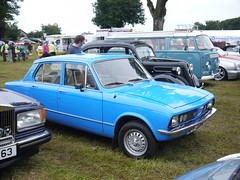 Blue! (Katie_Russell) Tags: ni nireland ireland northernireland ulster norniron garvagh show clydesdale coderry colderry colondonderry countyderry countylderry countylondonderry car cars vintage vehicle vehicles